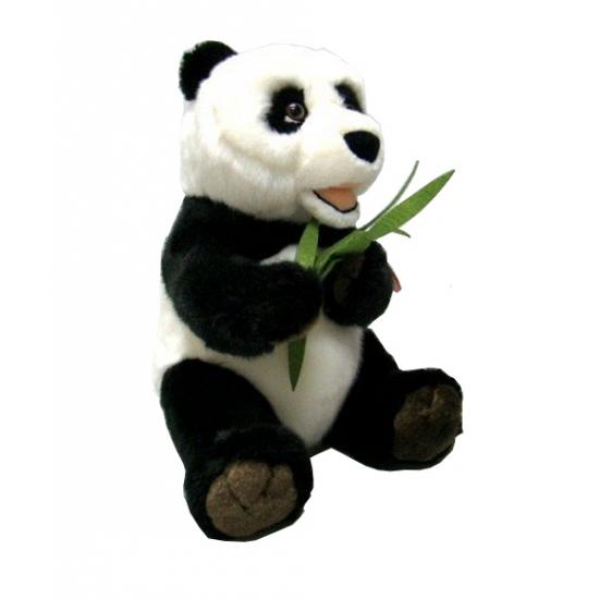 Panda knuffeltje met bamboe